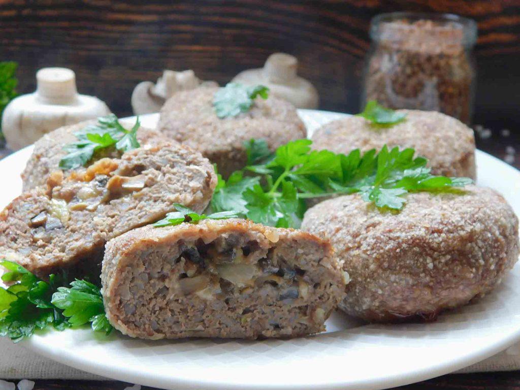 зразы с грибами и сыром с добавлением гречки готовы
